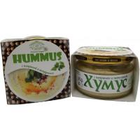 Хумус с паприкой и петрушкой
